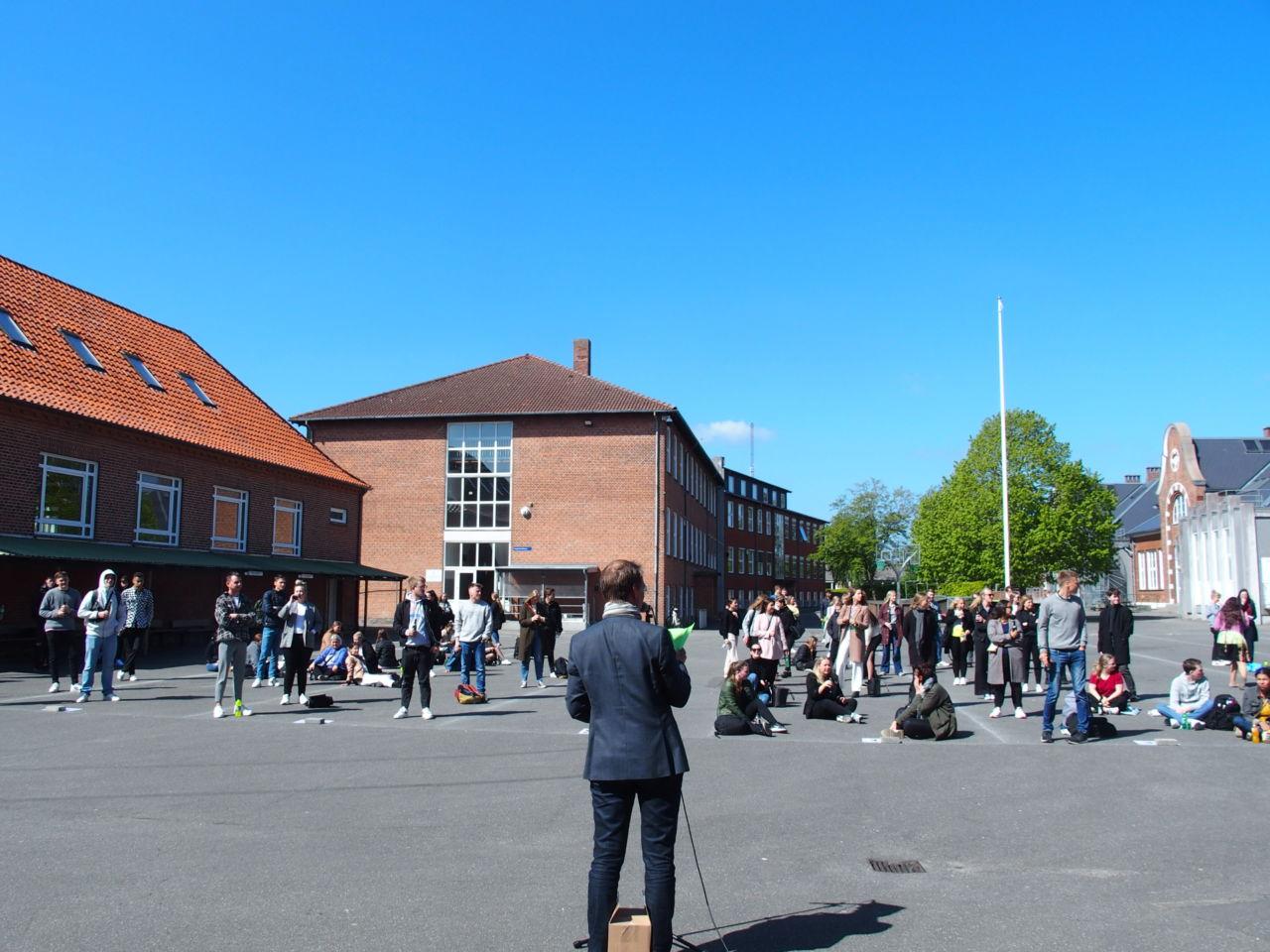 Samling i skolegården